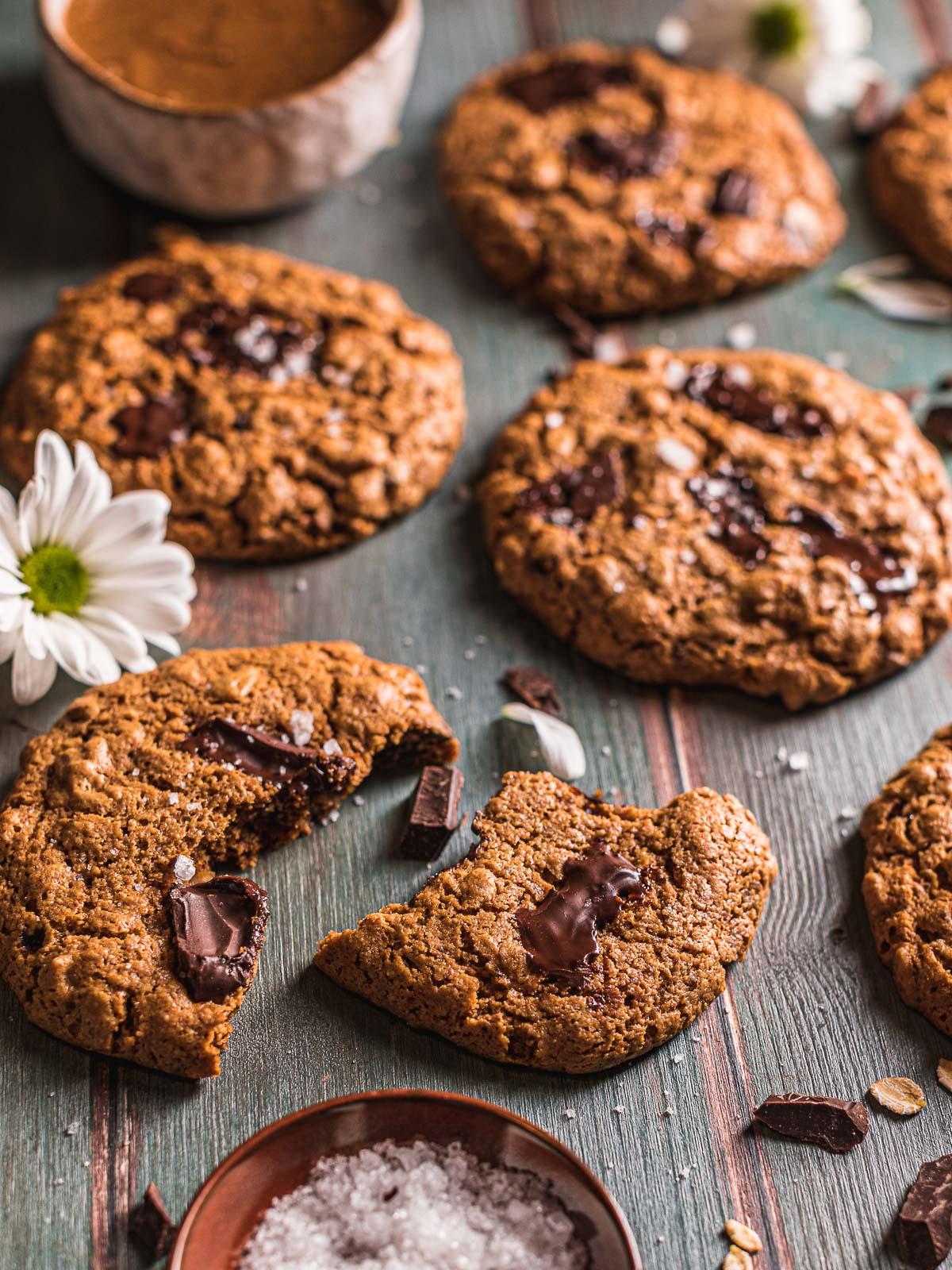 Cookies vegani senza glutine al cioccolato senza olio al burro di mandorle oil-free almond butter Gluten-free healthy Vegan Oatmeal Chocolate Chip Cookies