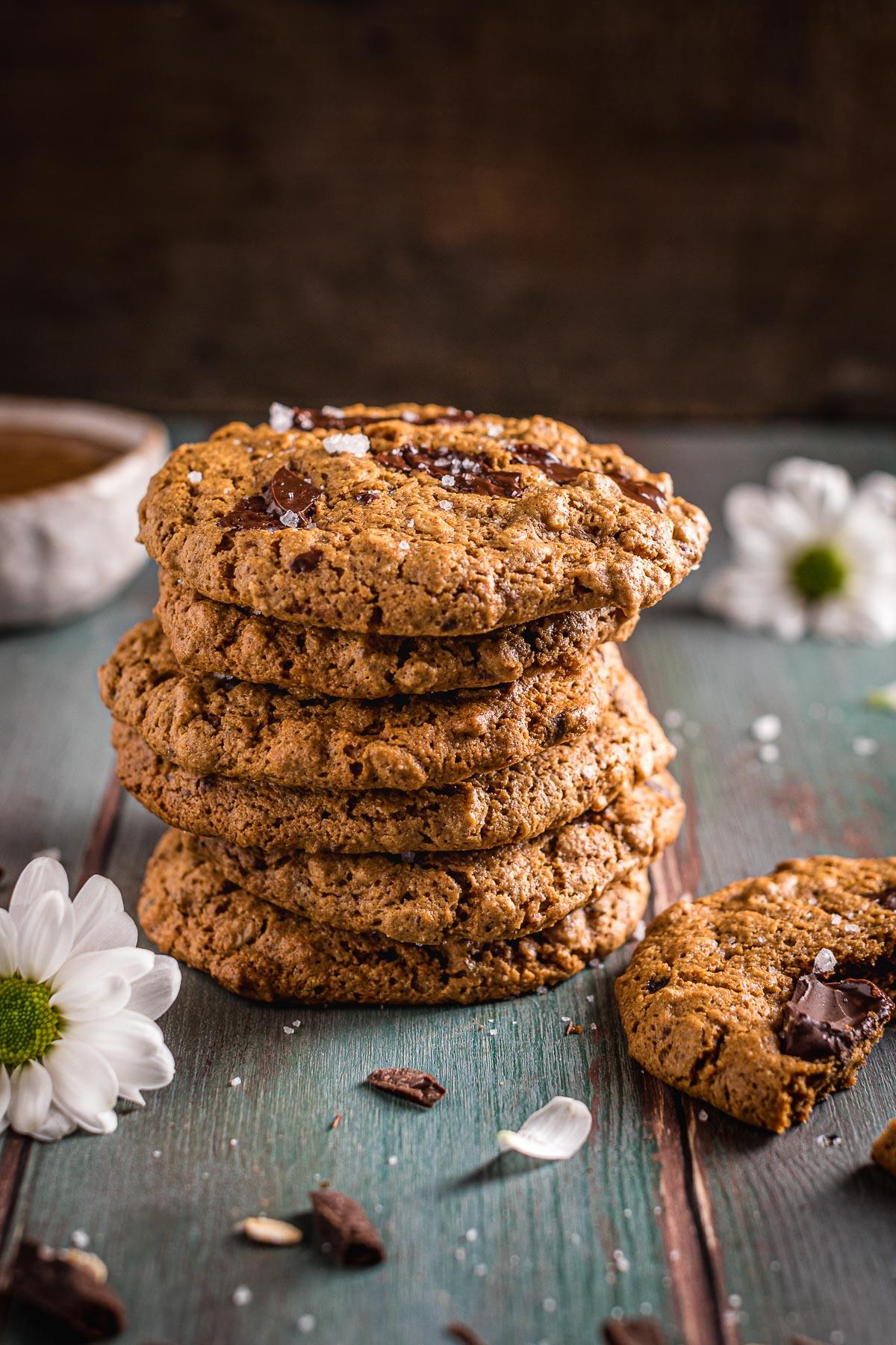Healthy gluten-free Vegan Oatmeal Chocolate Chip Cookies recipe ricetta come fare Cookies vegani senza glutine al cioccolato senza zucchero raffinato integrali