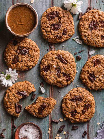 Healthy oil-free almond butter Gluten-free healthy Vegan Oatmeal Chocolate Chip Cookies Cookies vegani senza glutine al cioccolato senza olio al burro di mandorle
