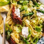 Tagliatelle agli Asparagi senza uova e Pomodori Secchi tagliatelle Vegan Sun Dried Tomato Asparagus Tagliatelle recipe vegan fresh pasta