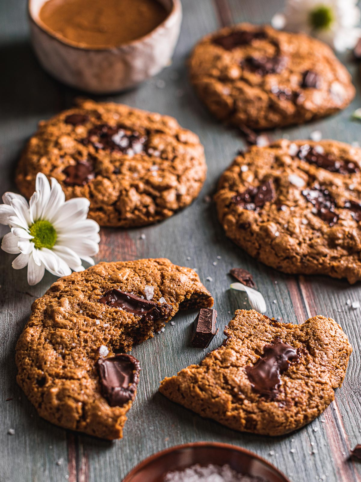 how to make Healthy Vegan Oatmeal Chocolate Chip Cookies recipe come fare Cookies vegani senza glutine al cioccolato senza zucchero raffinato integrali