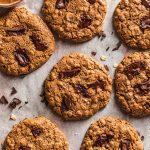 ricetta Cookies vegani senza glutine al cioccolato senza olio Gluten-free Vegan Oatmeal Chocolate Chip Cookie recipe