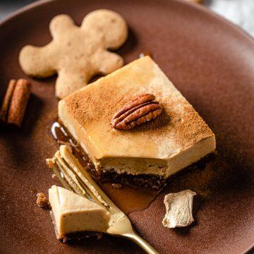 creamy gluten-free vegan no-bake gingerbread cheesecake recipe ricetta cremosa cheesecake al pan di zenzero senza cottura senza glutine