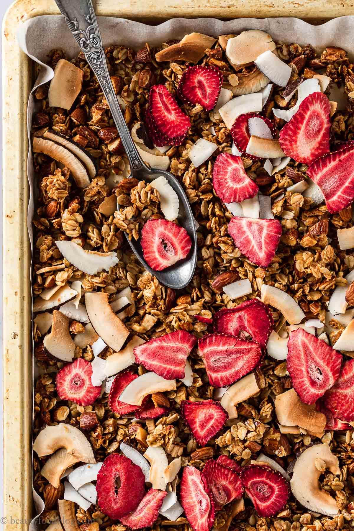 cetta granola croccante cocco e fragole senza glutine CRUNCHY VEGAN COCONUT STRAWBERRY GRANOLA GLUTEN-FREE