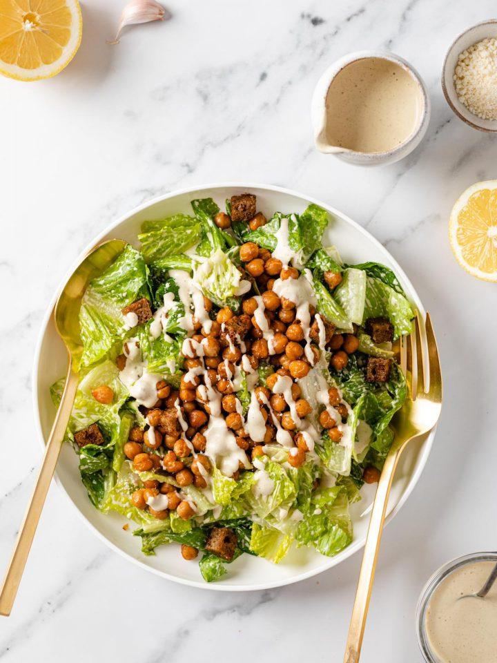 insalata CAESAR SALAD VEGANA ai CECI senza glutine how to make Vegan Caesar Salad gluten-free and vegan caesar dressing