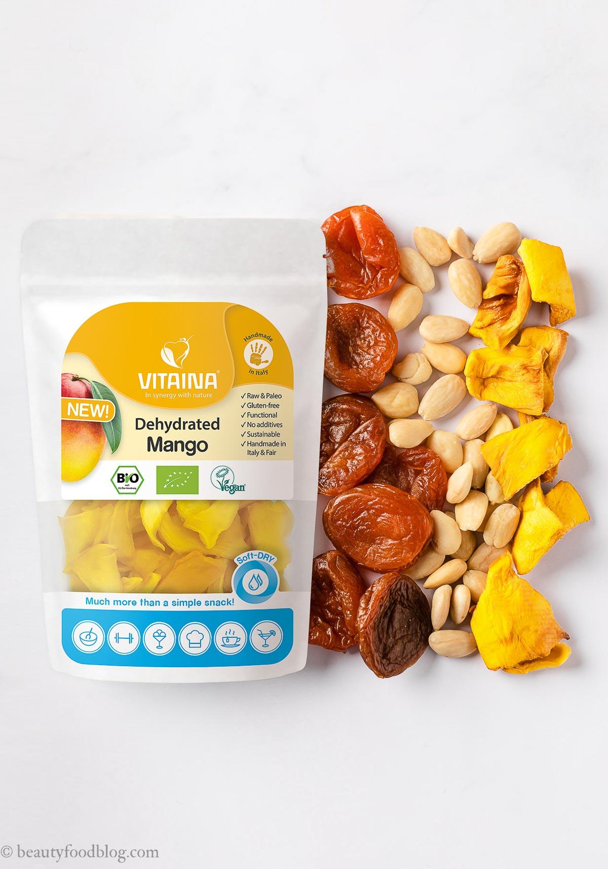 ingredienti barrette energetiche alle albicocche e mandorle senza zucchero apricot almond energy bars sugar-free con Mango Vitaina