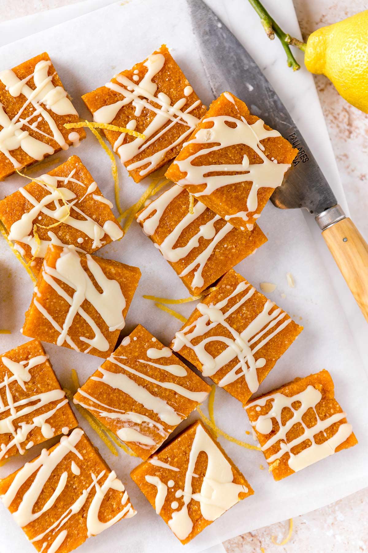 ricetta barrette energetiche alle albicocche e mandorle senza zucchero apricot almond energy bars sugar free with mango