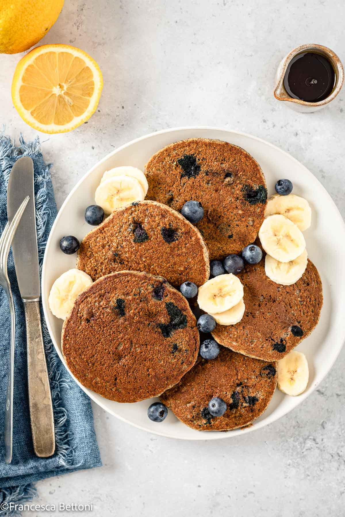 ricetta PANCAKES BANANA e MIRTILLI VEGAN SENZA GLIUTINE grano saraceno gluten-free Vegan Banana Blueberry Pancakes recipe