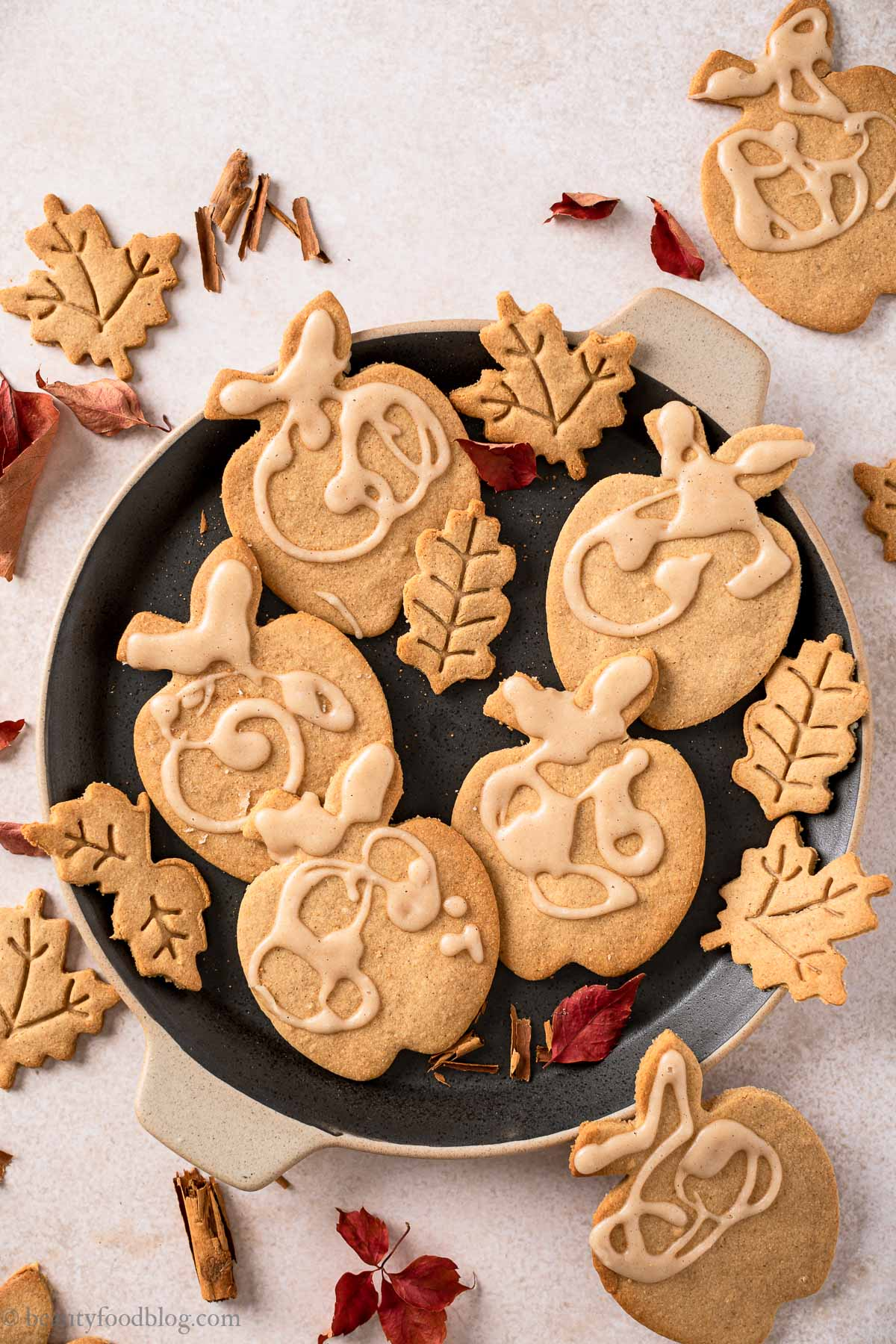 gluten-free vegan maple cookies with applesauce shortbread cookies recipe ricetta Biscotti Autunnali Senza Burro Senza Glutine vegan alle mele e sciroppo d'acero