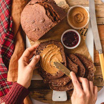 ricetta pane al cacao e noci senza impasto segale e farro macchina del pane no knead cacao rye bread recipe